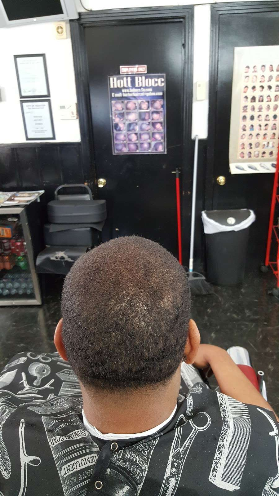 Cut Creations Barber Shop - hair care  | Photo 8 of 10 | Address: 5301 N Wayside Dr, Houston, TX 77028, USA | Phone: (713) 671-9825
