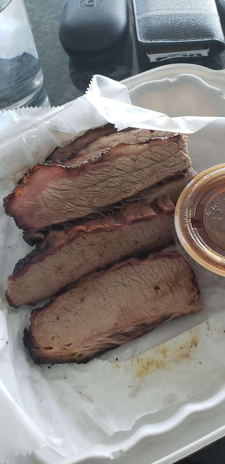 Bobcats Texas B.B.Q. - restaurant  | Photo 7 of 10 | Address: 725 River Rd, Edgewater, NJ 07020, USA | Phone: (201) 941-0196