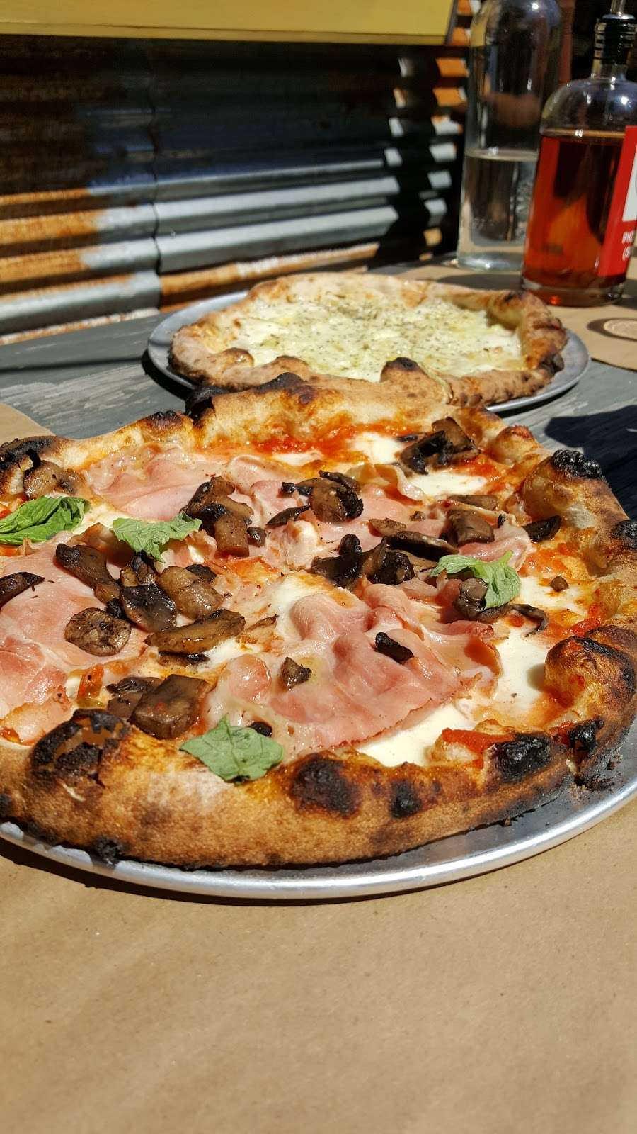 Union Pizza Works - restaurant  | Photo 6 of 10 | Address: 423 Troutman St, Brooklyn, NY 11237, USA | Phone: (718) 628-1927