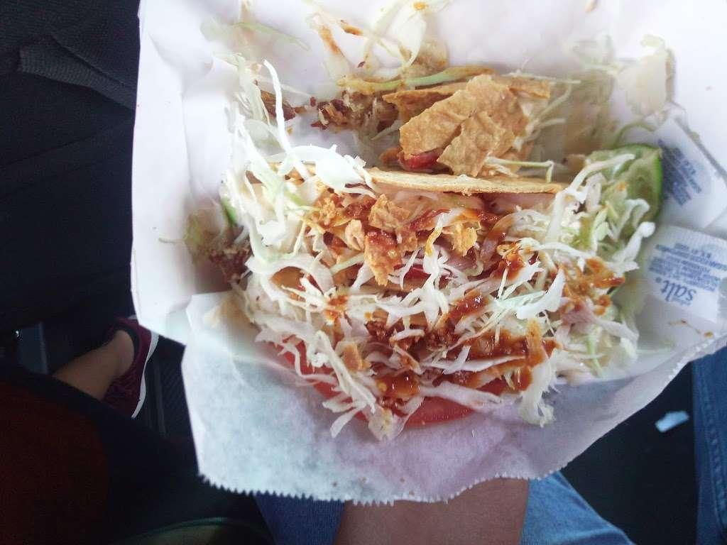 Tortas el TIGRE - restaurant    Photo 4 of 10   Address: 10501 Telephone Rd, Houston, TX 77075, USA   Phone: (832) 353-0594