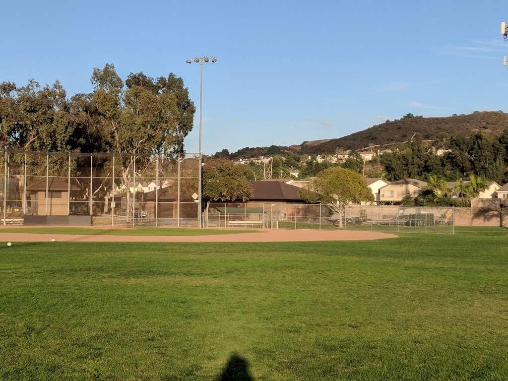 Behringer Park Athletic Facility - park  | Photo 6 of 10 | Address: 15900 Alicante Rd, La Mirada, CA 90638, USA | Phone: (562) 943-7277