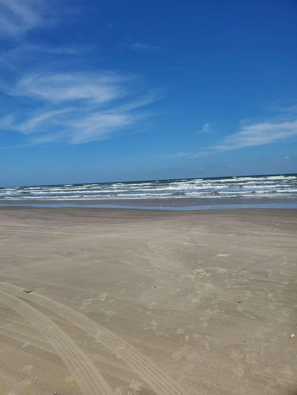 Treasure Trove Vacation Rental - lodging  | Photo 8 of 10 | Address: 13131 Gulf Beach Dr, Freeport, TX 77541, USA | Phone: (979) 799-6970