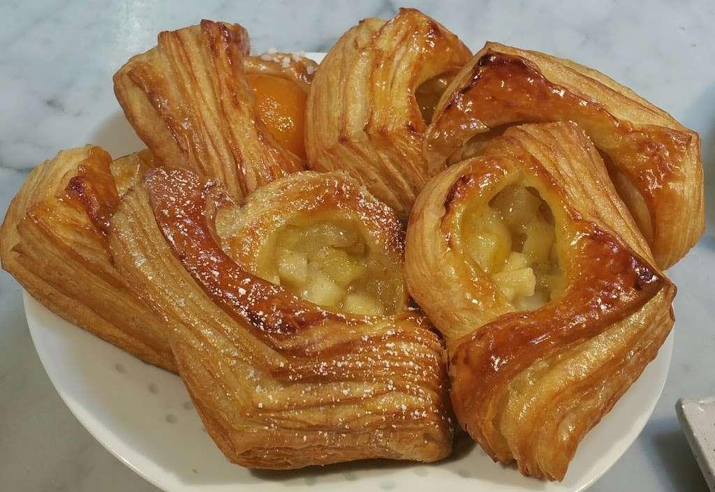 Bright Bear Bakery Plus - bakery  | Photo 2 of 10 | Address: 2620 Lakeville Hwy #350, Petaluma, CA 94954, USA | Phone: (707) 787-7411