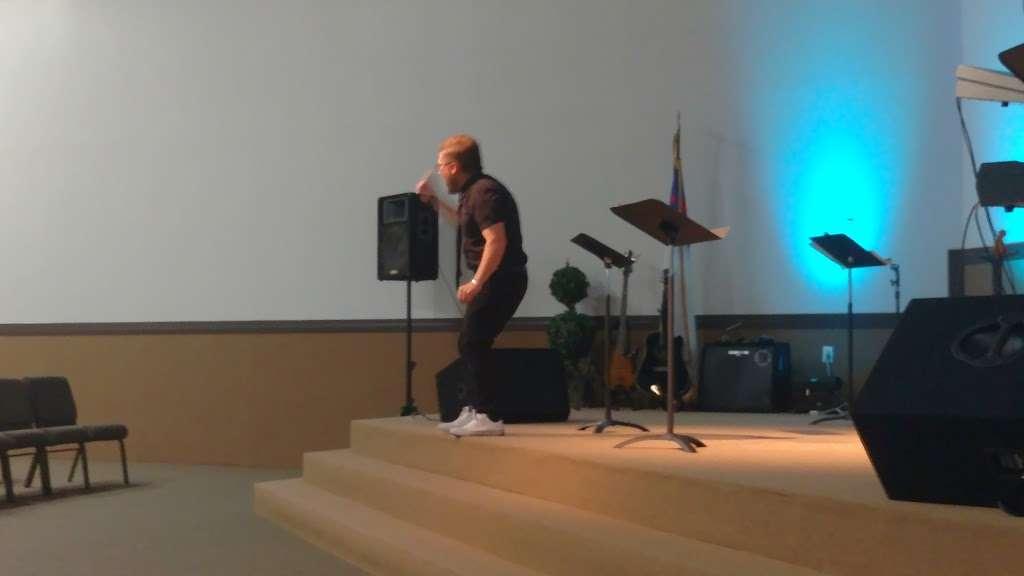 Carbon Church - church  | Photo 2 of 6 | Address: 115 Arapahoe Dr, Montgomery, TX 77316, USA | Phone: (936) 588-4660