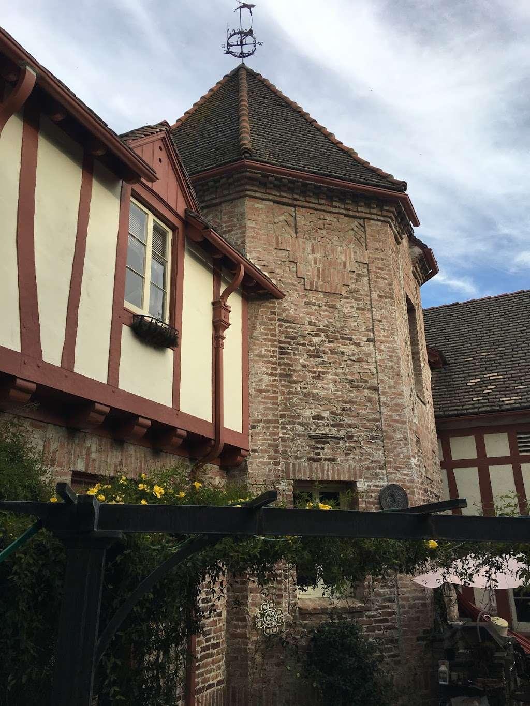 Sunny Gables Estate - museum  | Photo 5 of 10 | Address: 582 Meadow Grove St, La Cañada Flintridge, CA 91011, USA