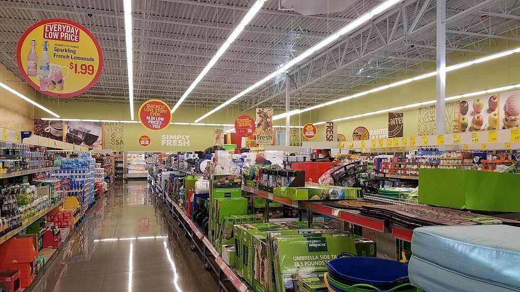 ALDI - supermarket  | Photo 5 of 10 | Address: 2226 N Richmond Rd, McHenry, IL 60051, USA | Phone: (855) 955-2534