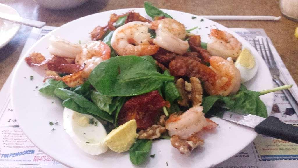 Leggios Italian Restaurant - restaurant  | Photo 8 of 10 | Address: 64 E Center Hill Rd, Dallas, PA 18612, USA | Phone: (570) 675-4511