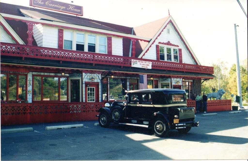 Carriage House - restaurant  | Photo 6 of 10 | Address: 3351 NY-97, Barryville, NY 12719, USA | Phone: (845) 557-0400