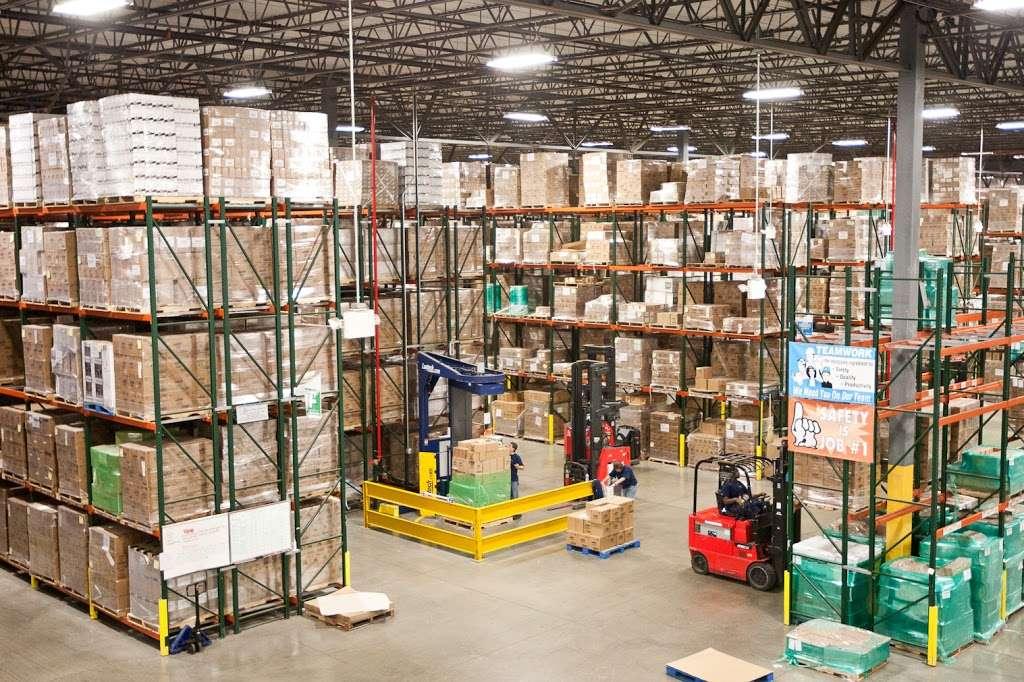 LeSaint Logistics - storage  | Photo 1 of 8 | Address: 868 W Crossroads Pkwy, Romeoville, IL 60446, USA | Phone: (630) 243-5950