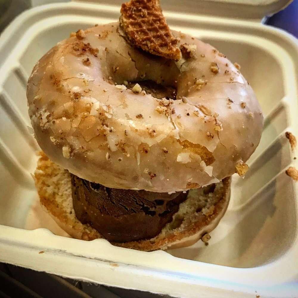 Underwest Donuts - bakery    Photo 7 of 10   Address: 638 W 47th St, New York, NY 10036, USA   Phone: (212) 317-2359