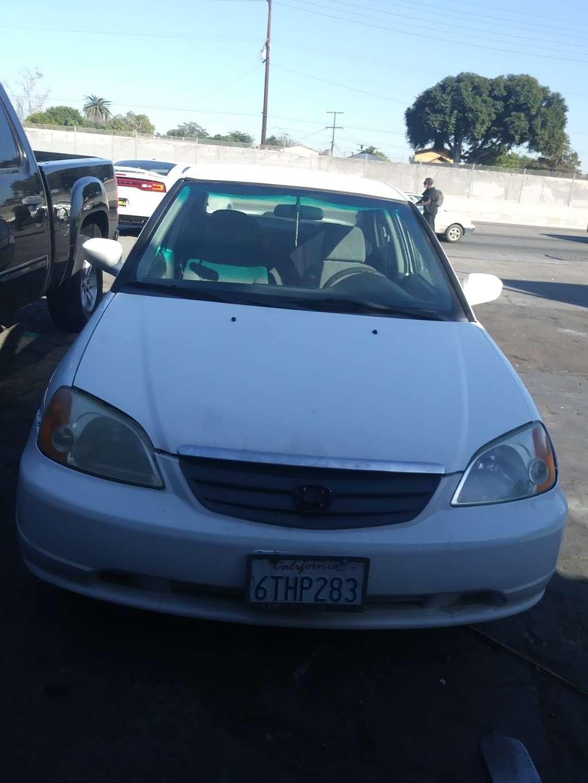 Michoacan Auto Glass - car repair  | Photo 6 of 9 | Address: 9405 Alameda St, Los Angeles, CA 90002, USA | Phone: (323) 567-1662