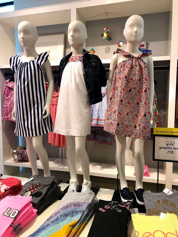 J.Crew - clothing store  | Photo 5 of 10 | Address: 91 5th Ave, New York, NY 10003, USA | Phone: (212) 255-4848