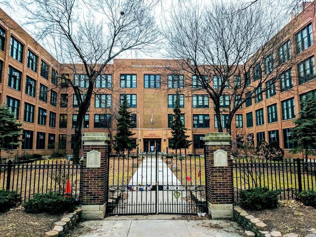 William H. Wells Community Academy High School - school  | Photo 1 of 10 | Address: 936 N Ashland Ave, Chicago, IL 60622, USA | Phone: (773) 534-7010
