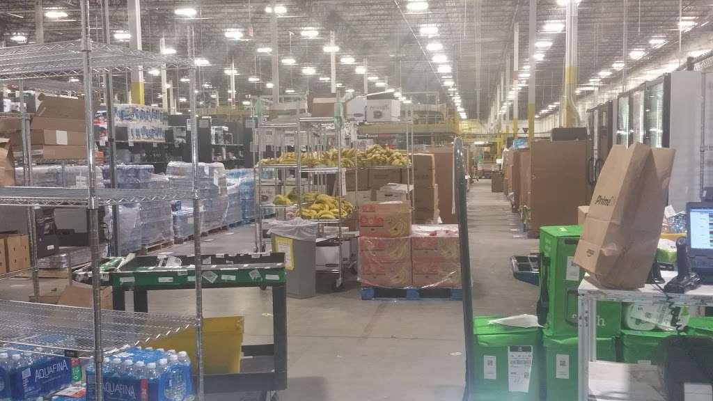 Amazon BWI5 - store  | Photo 1 of 10 | Address: 5501 Holabird Ave, Baltimore, MD 21224, USA | Phone: (866) 423-5350