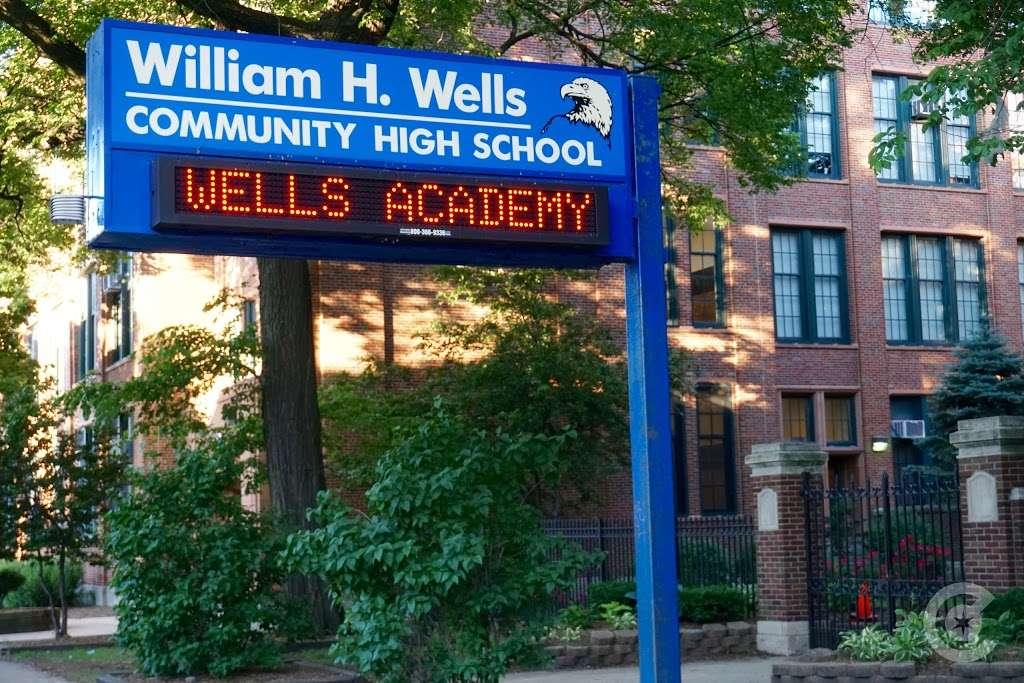 William H. Wells Community Academy High School - school  | Photo 8 of 10 | Address: 936 N Ashland Ave, Chicago, IL 60622, USA | Phone: (773) 534-7010