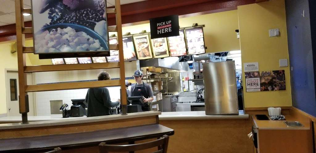 Taco Bell - meal takeaway  | Photo 6 of 10 | Address: 7878 Valley View St, Buena Park, CA 90620, USA | Phone: (714) 994-5331