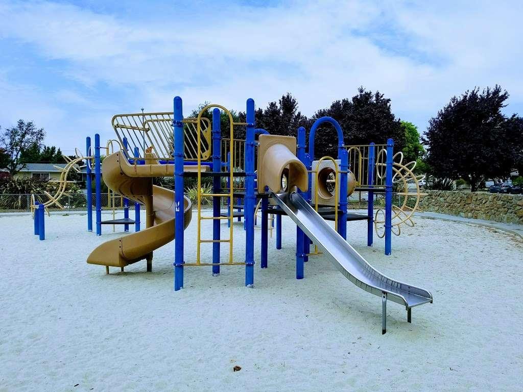 Lakewood Park - park  | Photo 9 of 10 | Address: 834 Lakechime Dr, Sunnyvale, CA 94089, USA | Phone: (408) 730-7350