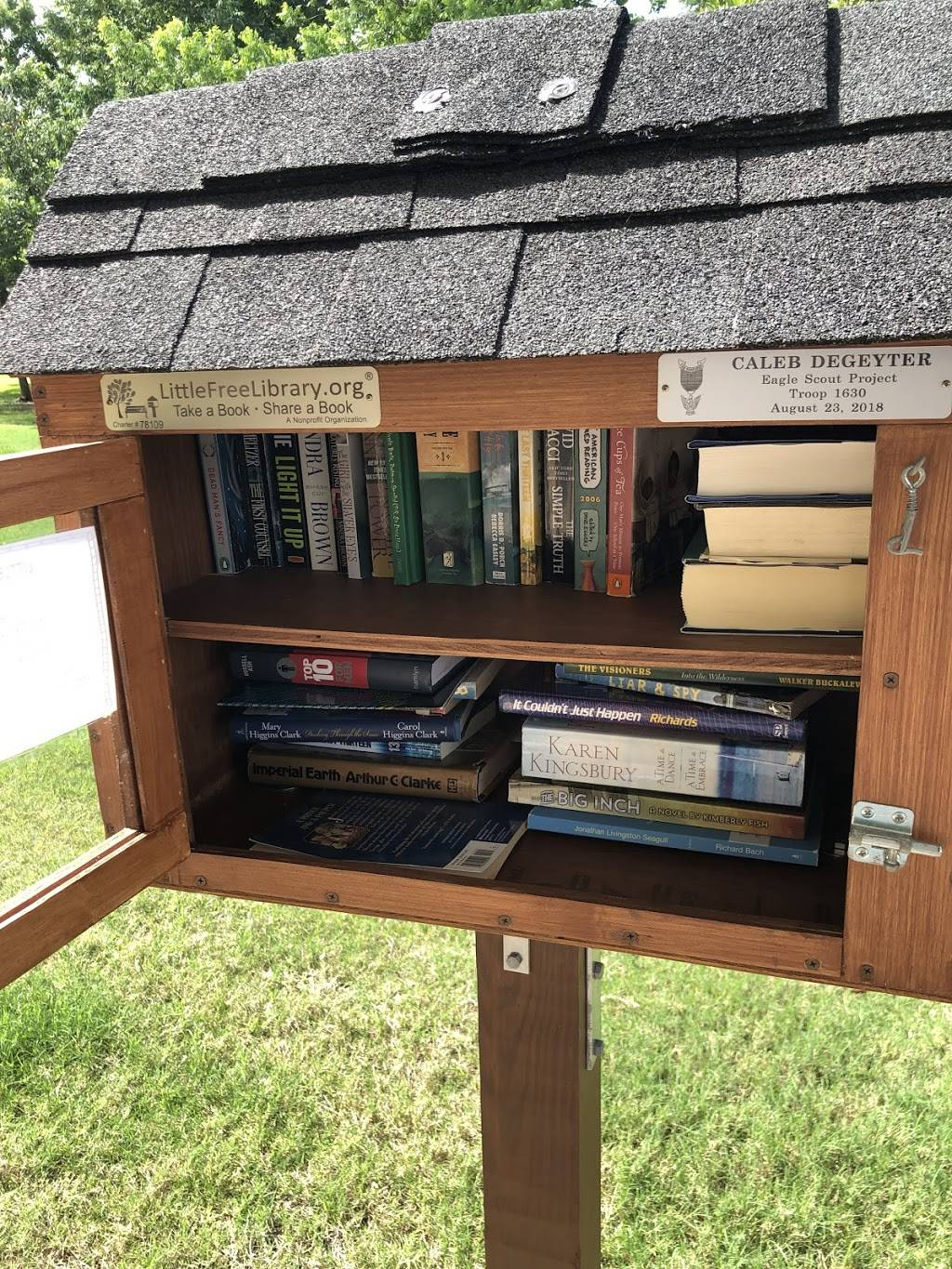 Little Free Library - library    Photo 3 of 3   Address: 1000 Shadow Bend Dr, Sugar Land, TX 77479, USA   Phone: (715) 690-2488