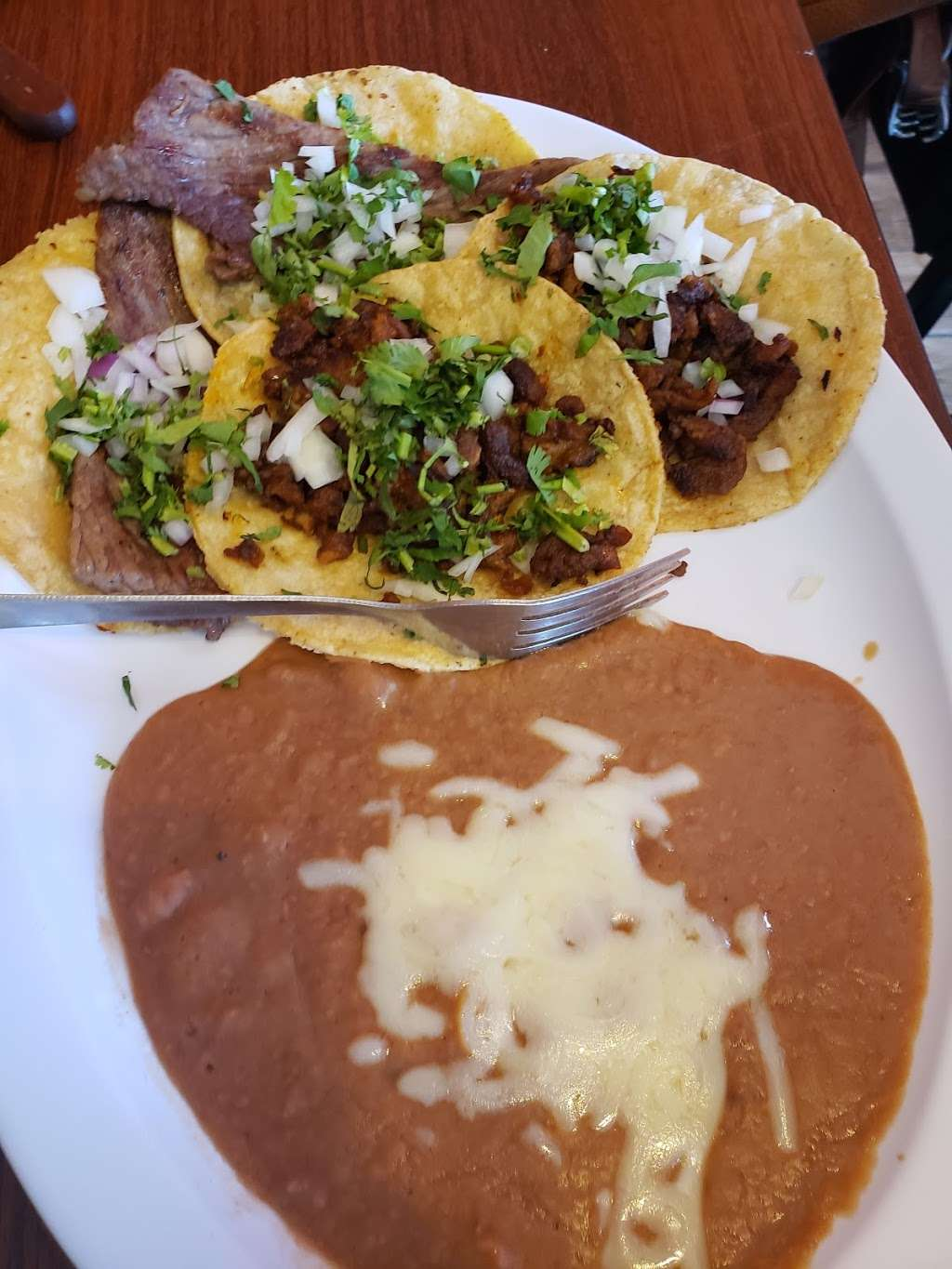 Taquería Picazo - restaurant  | Photo 6 of 9 | Address: 9710 S Commercial Ave, Chicago, IL 60617, USA | Phone: (773) 221-5743
