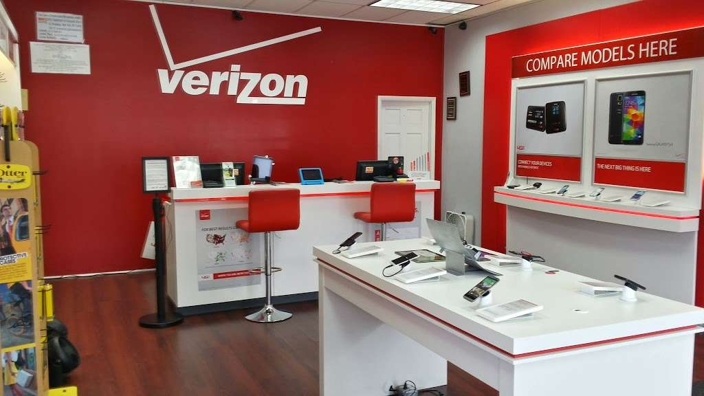 Verizon Wireless - electronics store  | Photo 5 of 10 | Address: 121-20 Liberty Ave, South Richmond Hill, NY 11419, USA | Phone: (718) 845-1500