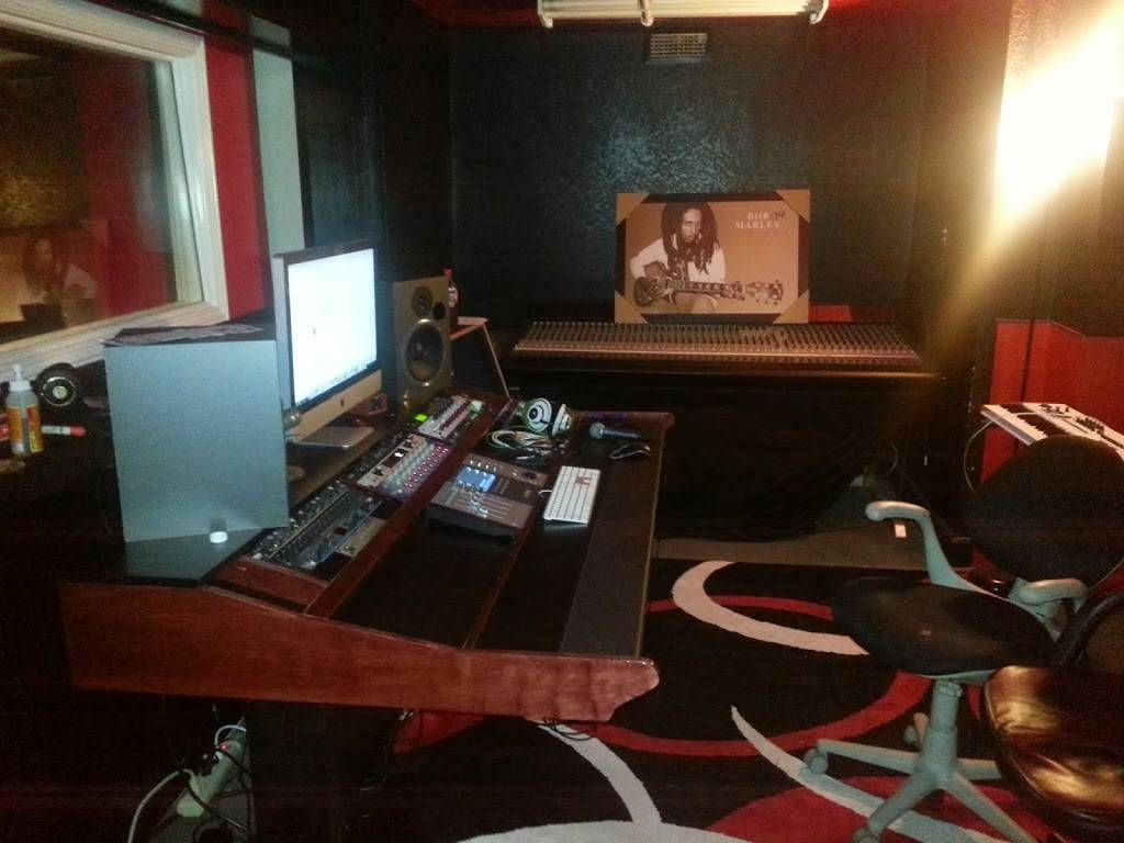 Red Eye Recording Studios - electronics store  | Photo 1 of 7 | Address: 2257 Alum Rock Ave, San Jose, CA 95116, USA | Phone: (408) 275-6167