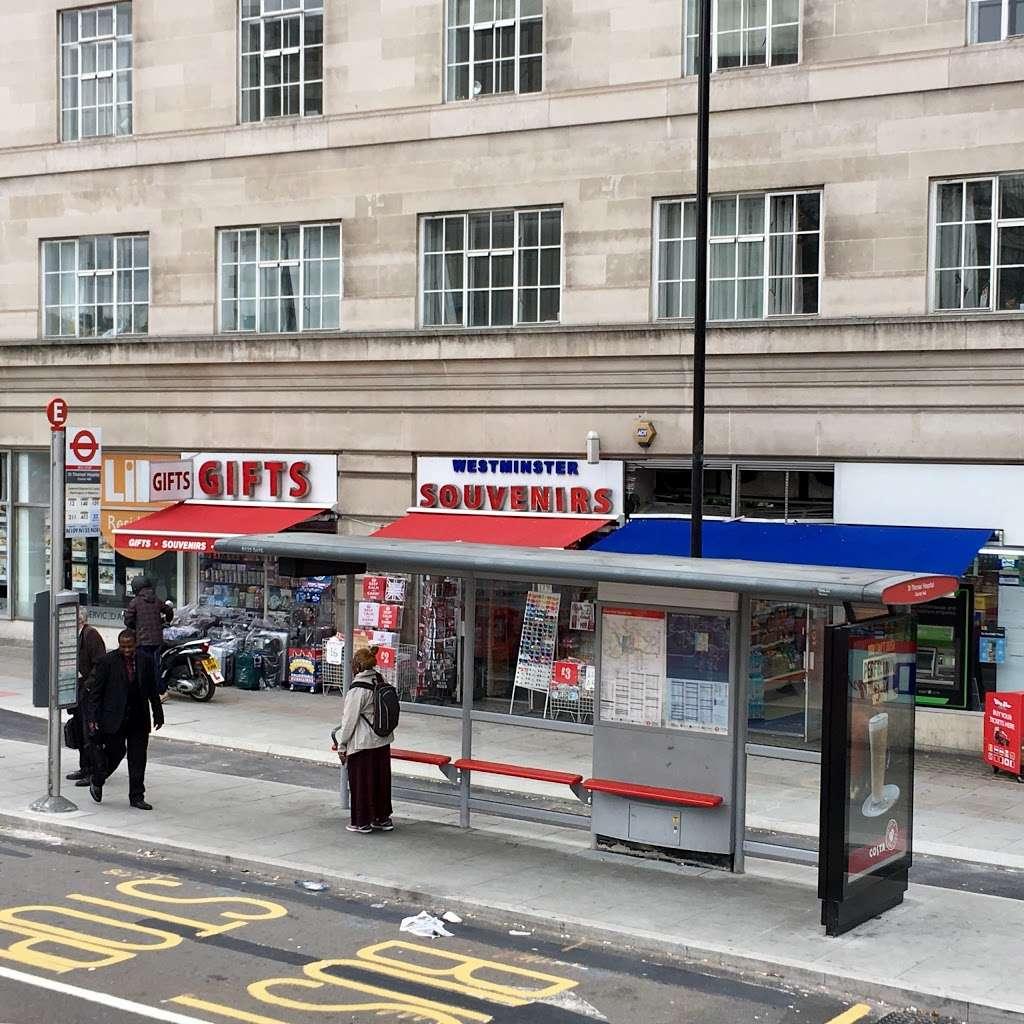 St Thomas Hospital County Hall (Stop E) - bus station  | Photo 1 of 7 | Address: South Bank, London SE1 7PD, UK
