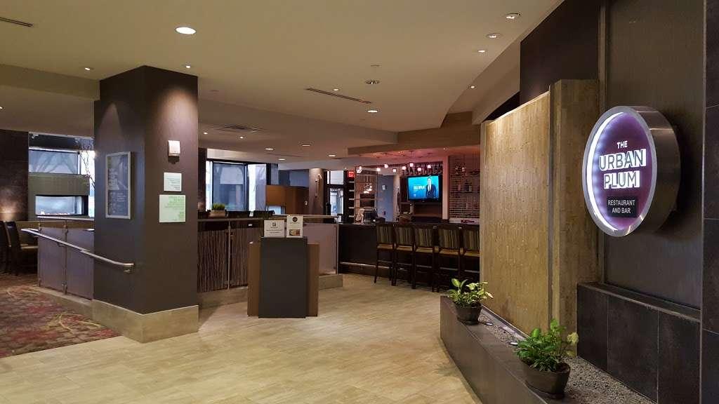 Urban Plum - restaurant  | Photo 8 of 10 | Address: 300 Plaza Dr, Secaucus, NJ 07094, USA | Phone: (201) 520-0574