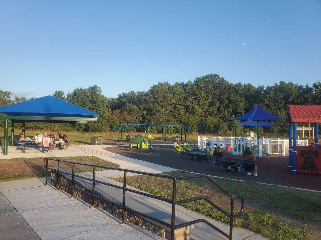 Delran Community Park - park  | Photo 5 of 10 | Address: 12 Hartford Rd, Delran, NJ 08075, USA