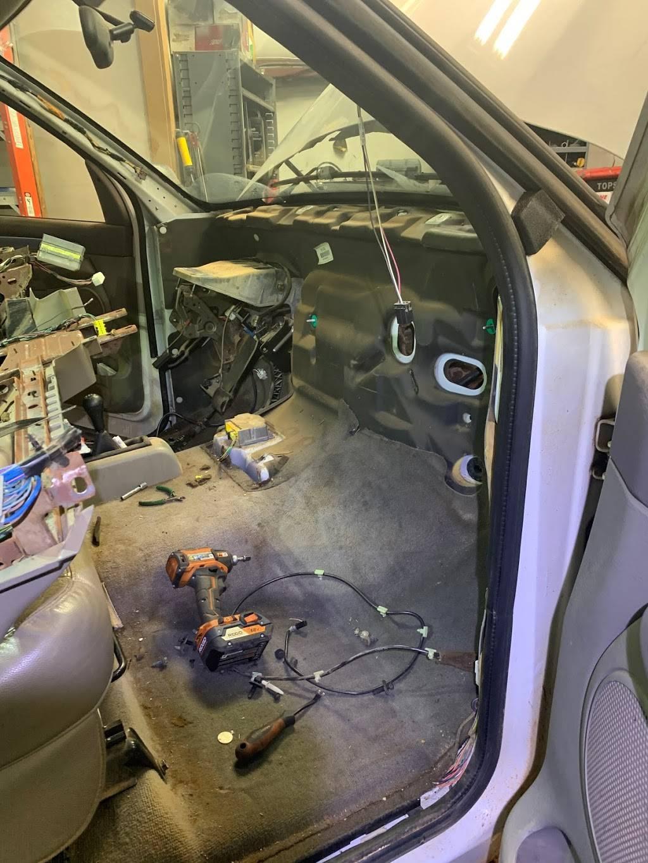 GARMON AUTO LLC - car repair  | Photo 4 of 8 | Address: 2010 Airport Industrial Park Dr SE C, Marietta, GA 30060, USA | Phone: (404) 428-6716