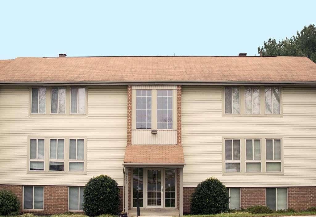 Hallfield Apartments - real estate agency  | Photo 2 of 10 | Address: 8517-B Heathrow Ct apartment b, Nottingham, MD 21236, USA | Phone: (410) 529-1006