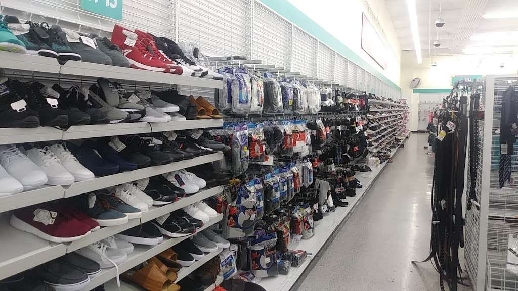 dds DISCOUNTS - clothing store  | Photo 10 of 10 | Address: 2000 N Park Blvd, Pittsburg, CA 94565, USA | Phone: (925) 432-3950