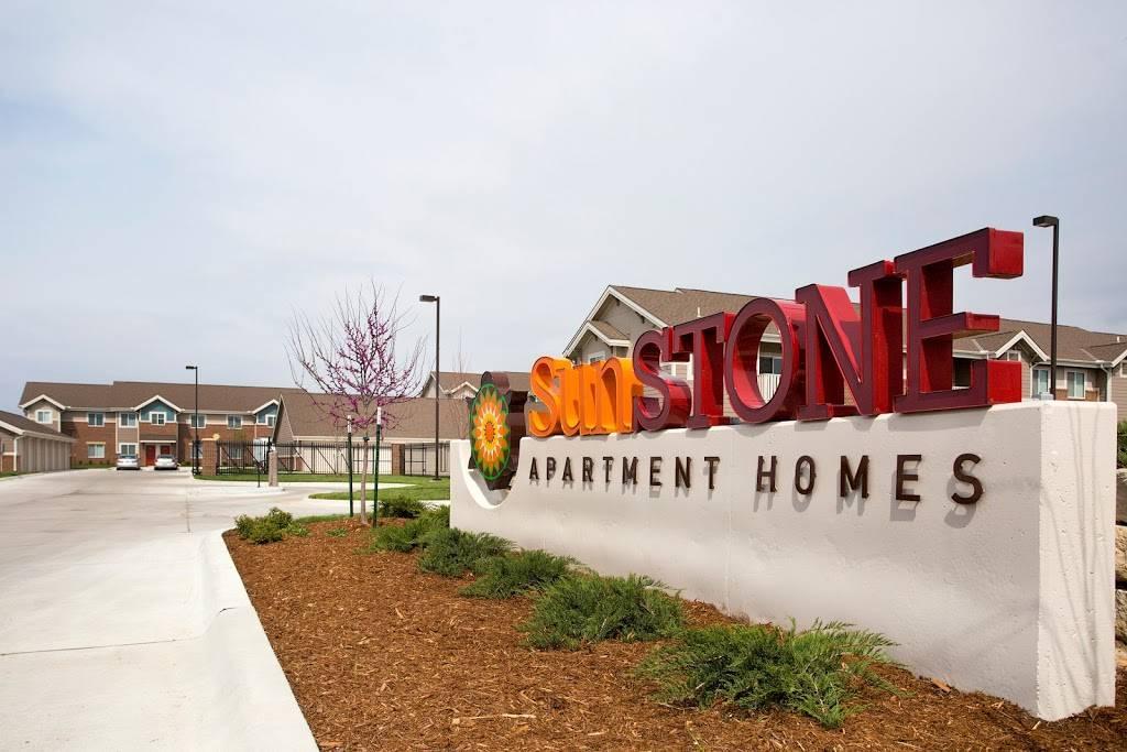 SunSTONE Apartment Homes at Fox Ridge - real estate agency    Photo 8 of 10   Address: 3540 N Maize Rd, Wichita, KS 67205, USA   Phone: (316) 558-5200