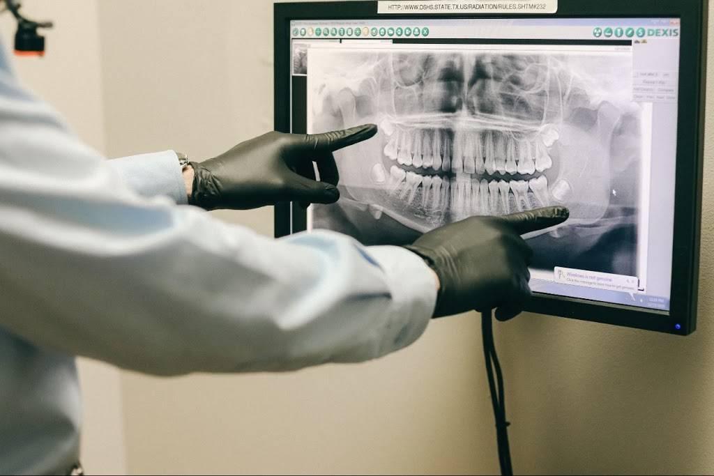 Vida Dental Buda - dentist    Photo 3 of 9   Address: 15300 S IH 35 Frontage Rd # 300, Buda, TX 78610, USA   Phone: (512) 523-8183