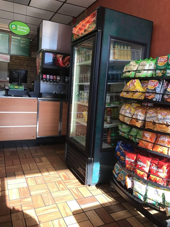 Subway - meal takeaway  | Photo 3 of 3 | Address: 3131 N Nimitz Hwy Suite 107, Honolulu, HI 96819, USA | Phone: (808) 839-1555