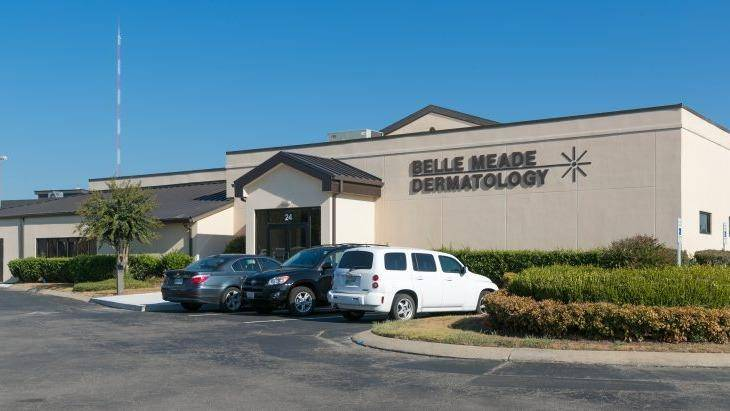 Pinnacle Dermatology - doctor  | Photo 1 of 10 | Address: 24 White Bridge Rd, Nashville, TN 37205, USA | Phone: (615) 352-0011