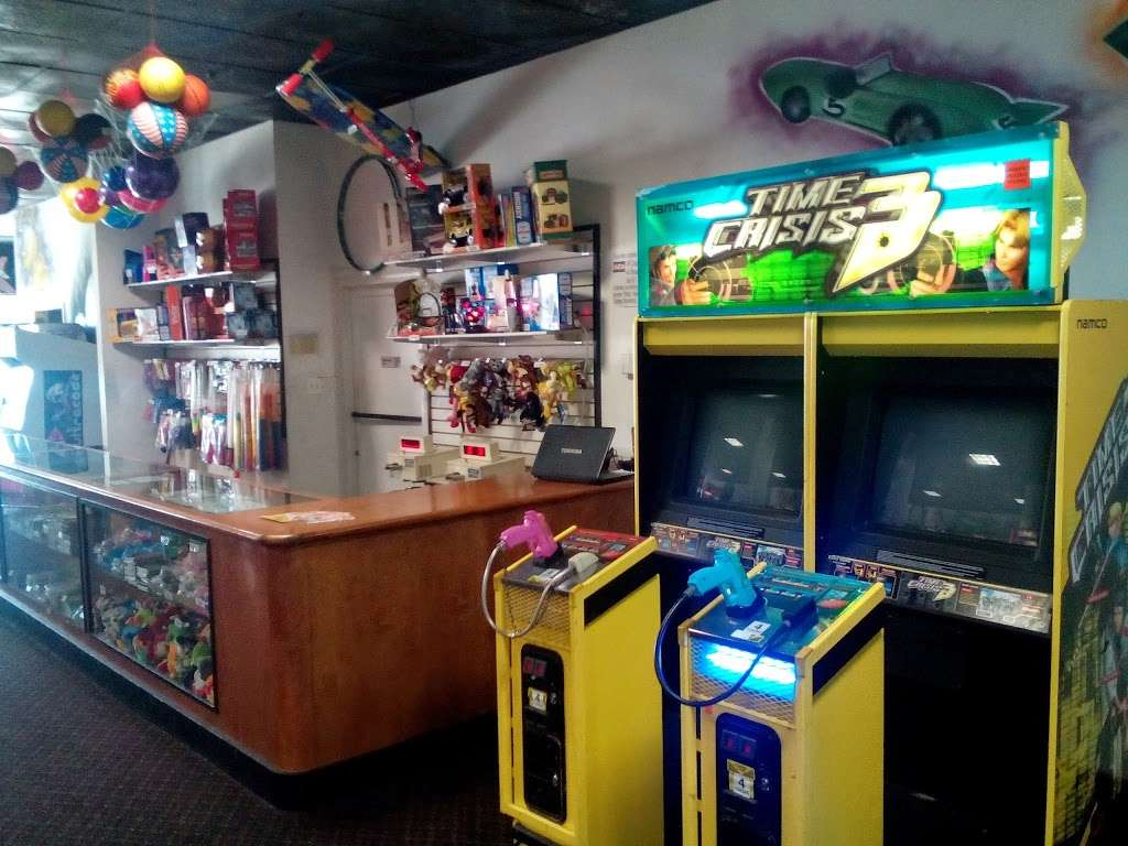 Showplace Entertainment Game Room - bowling alley    Photo 1 of 2   Address: 141 East Service Road of West Shore Expressway, Staten Island, NY 10314, USA   Phone: (718) 477-2695