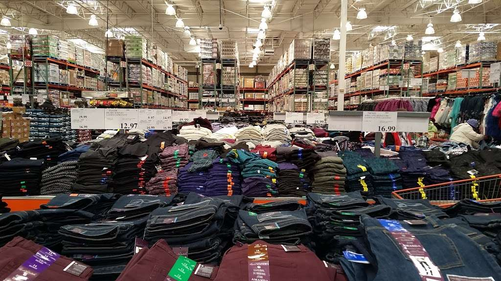 Costco Wholesale - department store  | Photo 2 of 10 | Address: 10 Garet Pl, Commack, NY 11725, USA | Phone: (631) 462-3900
