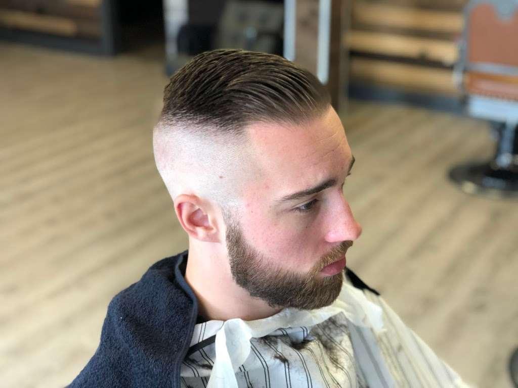 Danny's barbershop - hair care  | Photo 10 of 10 | Address: 150 S Main St, Newtown, CT 06470, USA | Phone: (203) 304-1632