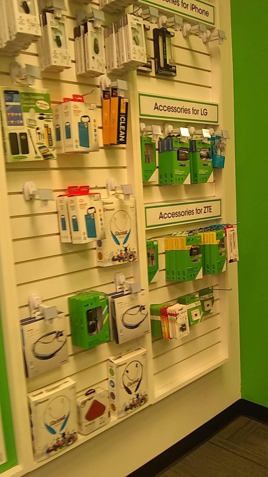 Cricket Wireless Authorized Retailer - store  | Photo 3 of 5 | Address: 5320 TX-359 Ste 101, Laredo, TX 78043, USA | Phone: (956) 722-3401