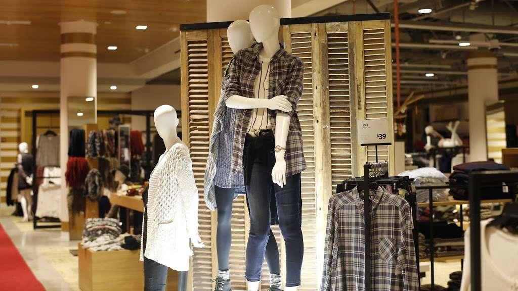 Nordstrom Rack South Bay MarketPlace - clothing store  | Photo 4 of 10 | Address: 1517 Hawthorne Blvd, Redondo Beach, CA 90278, USA | Phone: (424) 254-2448