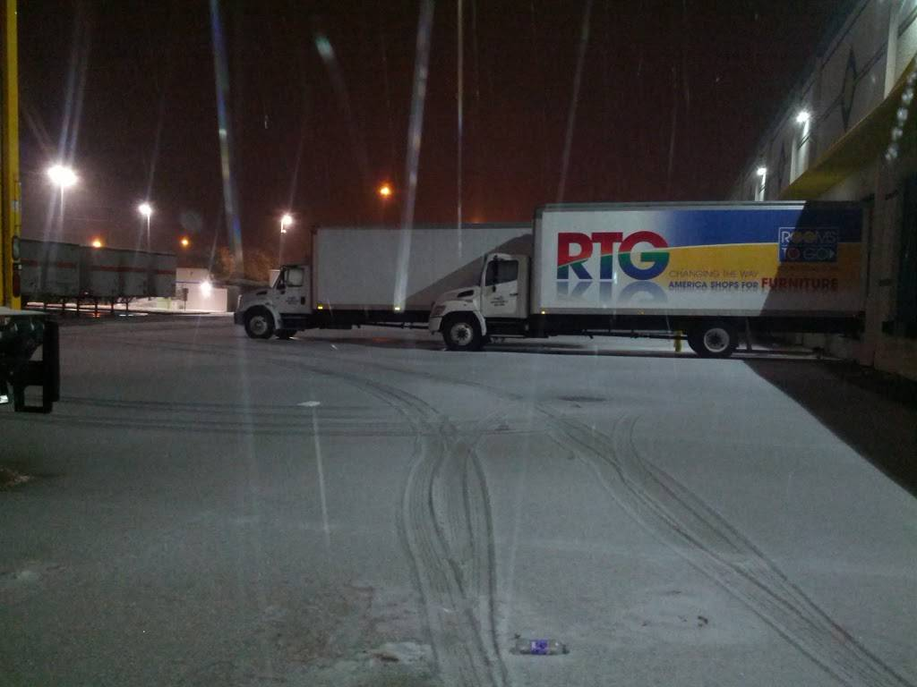 Rooms To Go Distribution Center - storage  | Photo 7 of 9 | Address: 3500 S Watson Rd, Arlington, TX 76014, USA | Phone: (800) 766-6786
