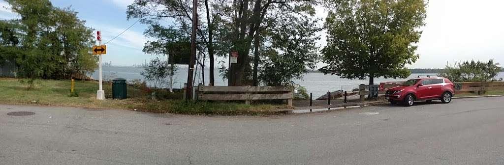 Buono Beach - park  | Photo 6 of 10 | Address: 287 Edgewater St, Staten Island, NY 10305, USA