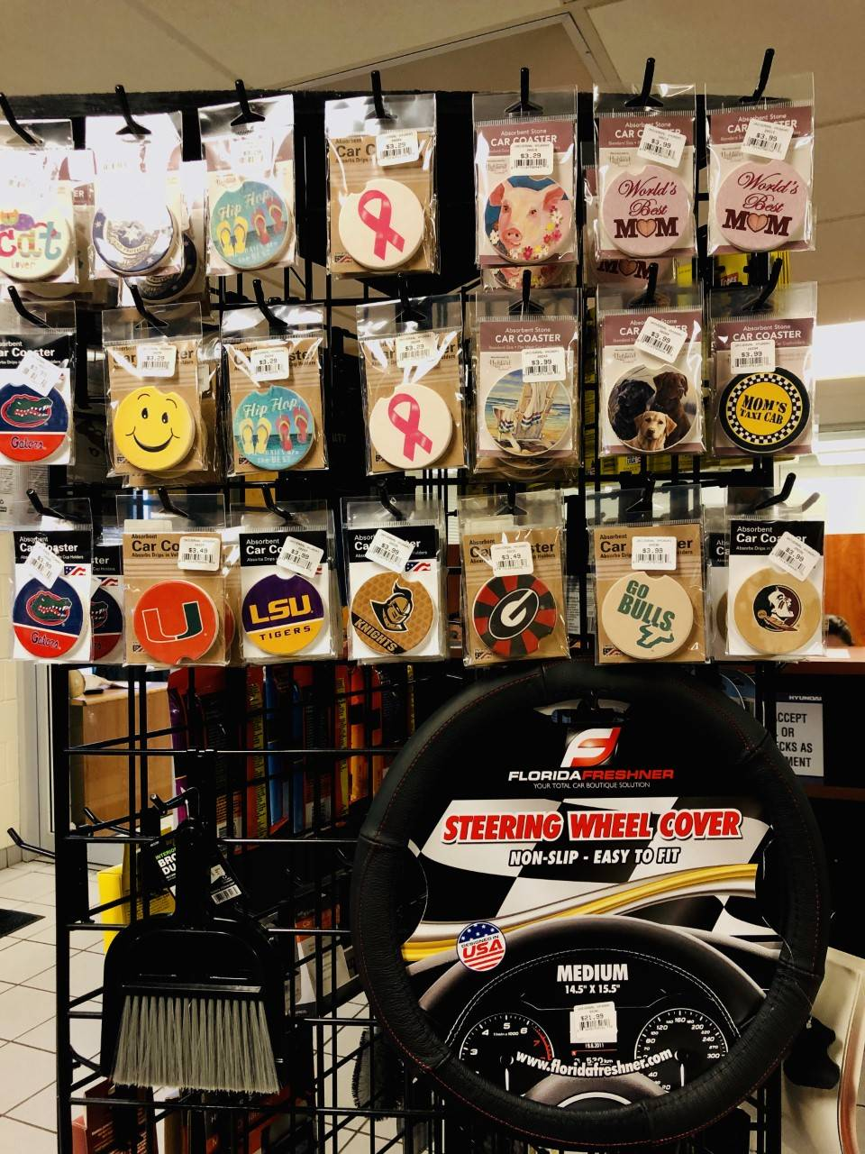 Universal Hyundai Parts Center - car repair  | Photo 4 of 10 | Address: 12801 S Orange Blossom Trail, Orlando, FL 32837, USA | Phone: (407) 545-8495