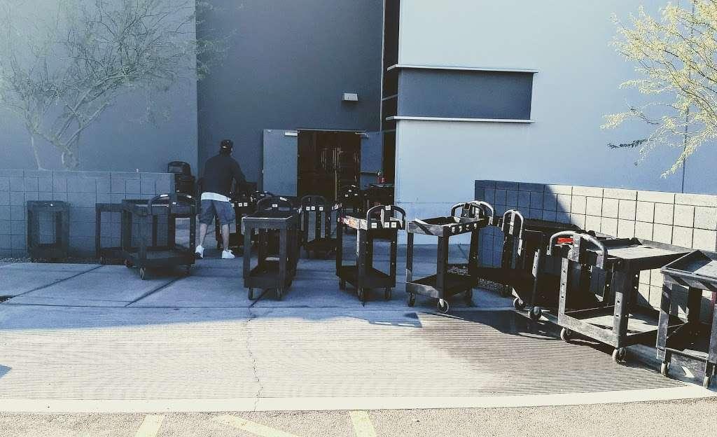 Amazon FLEX UAZ1 - storage  | Photo 10 of 10 | Address: 500 S 48th St, Phoenix, AZ 85034, USA | Phone: (888) 281-6901