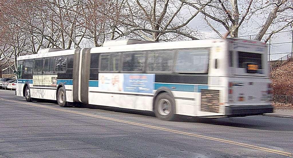 W 205 St/paul Av - bus station  | Photo 5 of 7 | Address: Bronx, NY 10468, USA