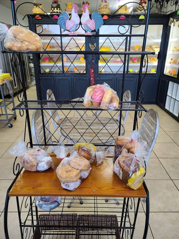 Los Pasteles Bakery - bakery  | Photo 3 of 9 | Address: 102 Altamar Dr, Laredo, TX 78043, USA | Phone: (956) 568-0388