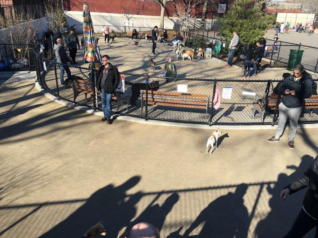 Torsney/Lou Lodati Playground - park  | Photo 3 of 10 | Address: 41-15 Skillman Ave, Long Island City, NY 11104, USA | Phone: (212) 639-9675