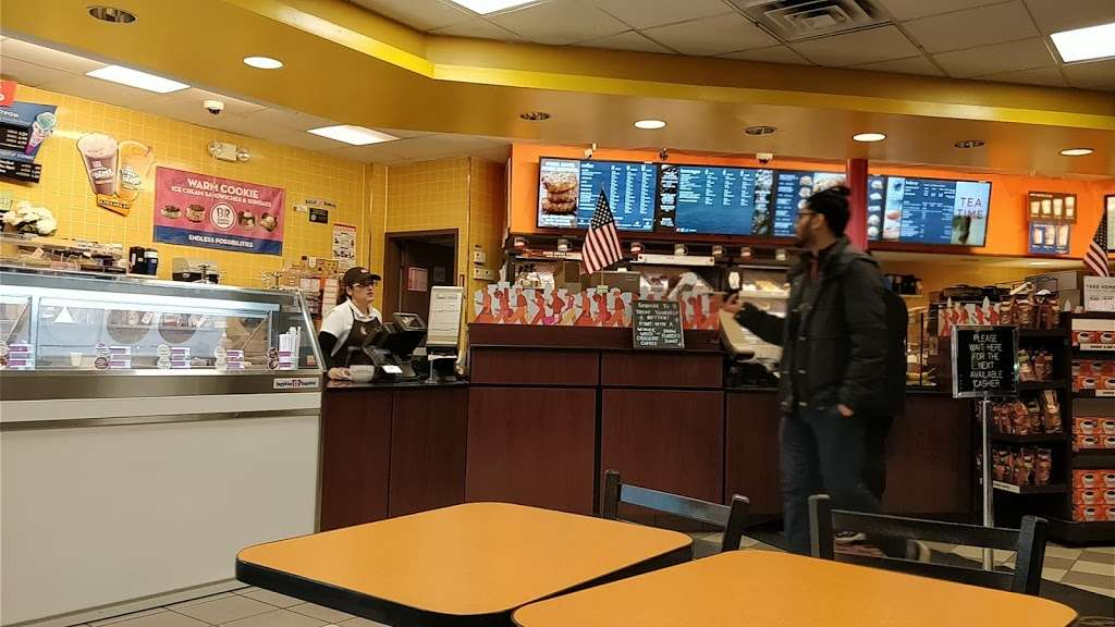 Dunkin Donuts - cafe  | Photo 1 of 10 | Address: 25420 Hillside Avenue, Queens, NY 11004, USA | Phone: (718) 470-9245