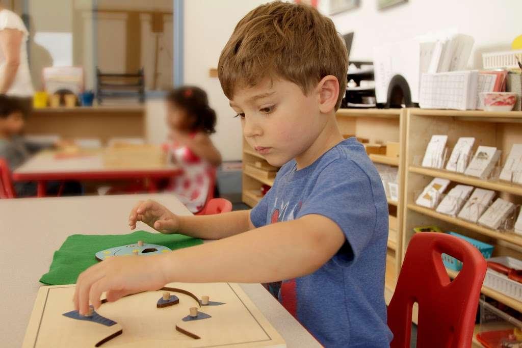 Apple Montessori Schools & Camps - Hoboken - school  | Photo 9 of 10 | Address: 1055 Maxwell Ln, Hoboken, NJ 07030, USA | Phone: (201) 963-4949
