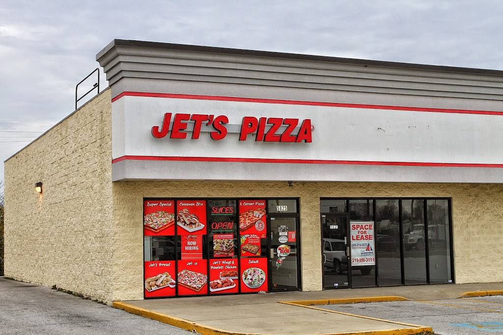 Jets Pizza - meal delivery  | Photo 1 of 10 | Address: 5825 Maplecrest Rd, Fort Wayne, IN 46835, USA | Phone: (260) 485-8550
